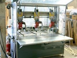 Banco chiodatura automatico per tappi